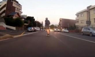La vidéo du jour #16/02/13:Flashé en skateboard!