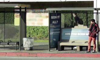La Vidéo du Jour #25/02/13:Le meilleur arrêt de bus du monde!
