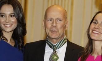 Bruce Willis décoré par la France