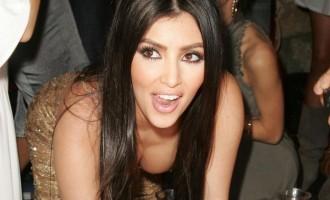 Kim Kardashian:Elle ne prend pas que du ventre!