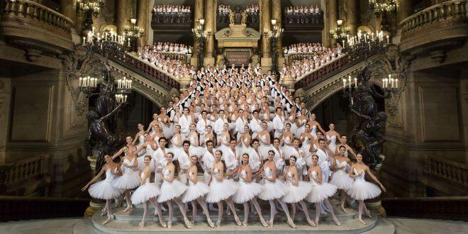 Les petits rats dans l'enceinte de l'Opéra