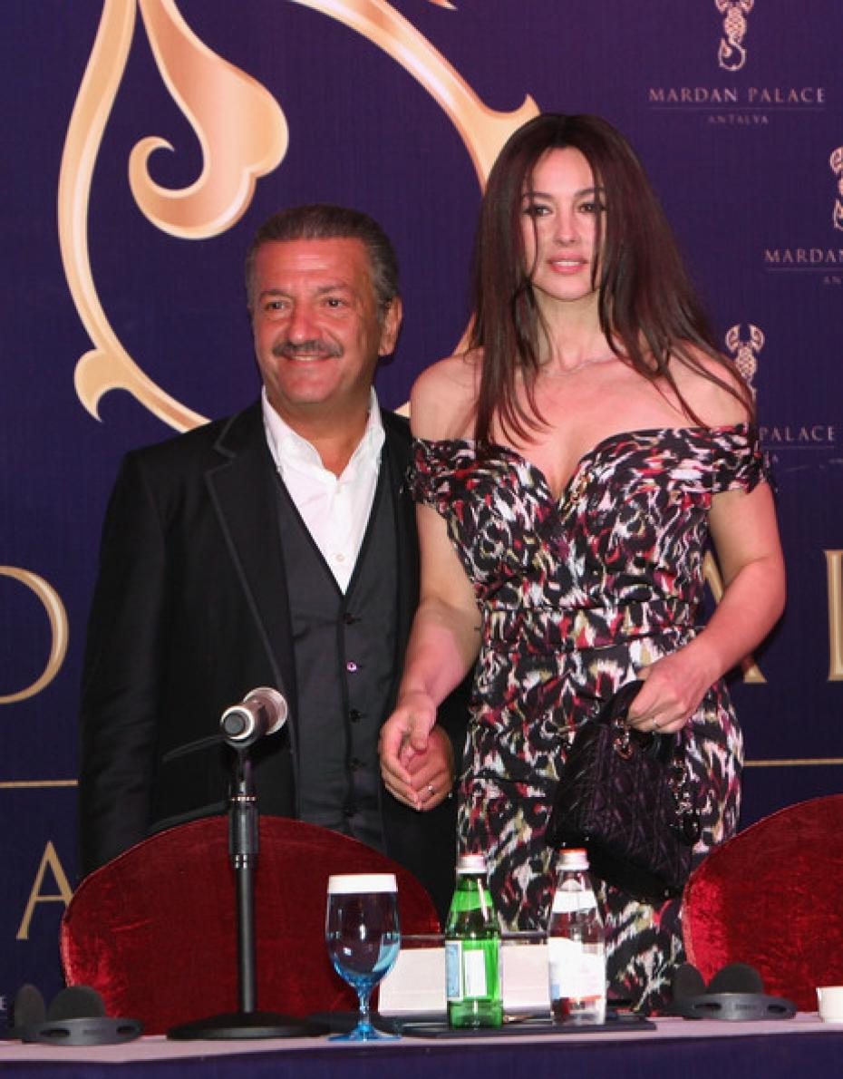 cassel lesbian singles View more about monica bellucci hot her husband vincent cassel is a french actor she was married is heather graham lesbian girlfriend or boyfriend and dating.