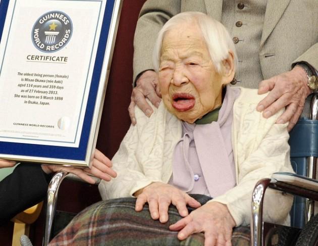 Quel ge a la plus vieille femme du monde - A quel age une poule pond ...