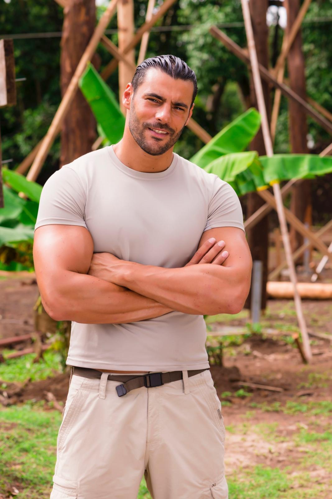 Ismael le chef de chantier de l'île des vérités 4