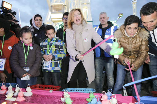 Quand Marc-Emmanuel prend du bon temps avec Valérie Trierweiler à la Foire du Trône