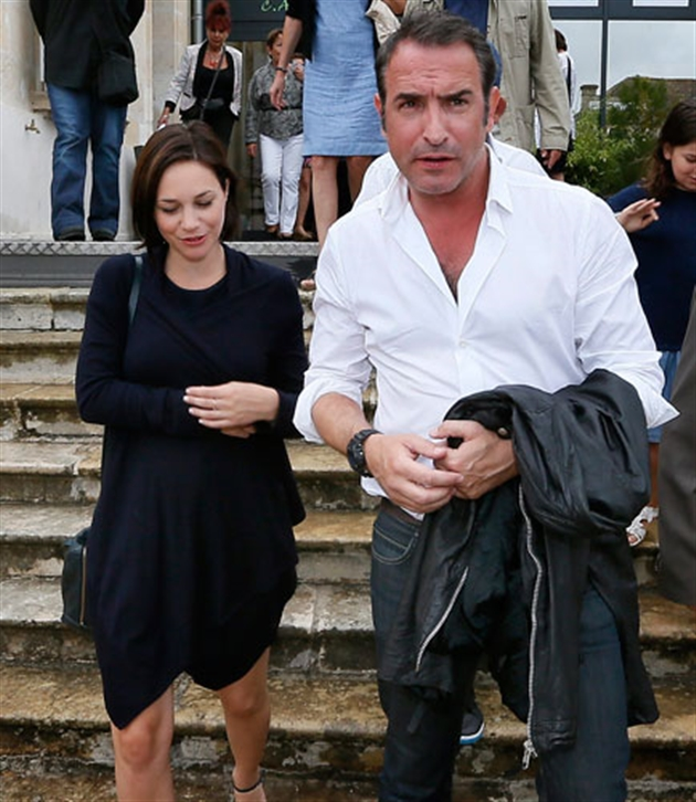 Nathalie p chalat enceinte de son premier enfant avec jean for Enfants de jean dujardin