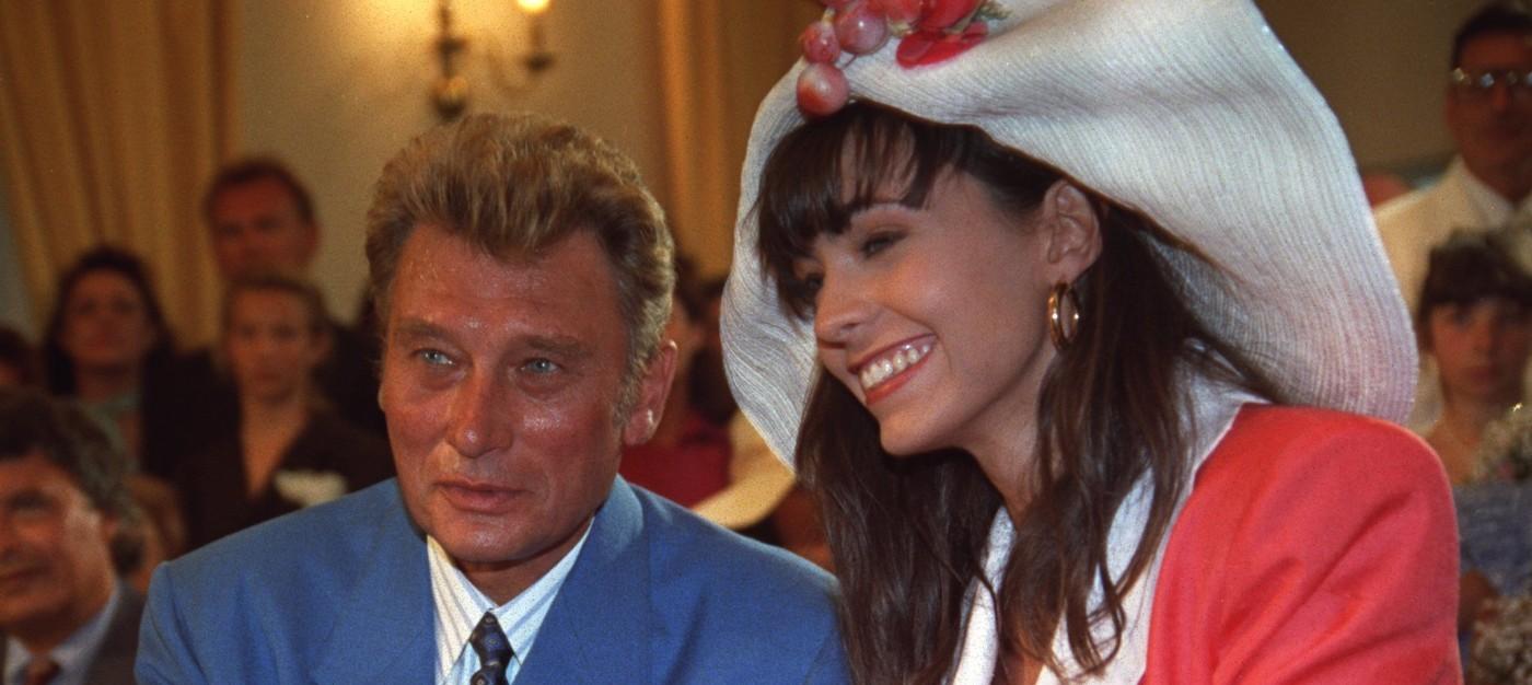 Johnny Hallyday répond aux accusations de viol d'Adeline Blondieau