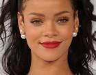 Les fans de Rihanna mettent des couches en plein concert