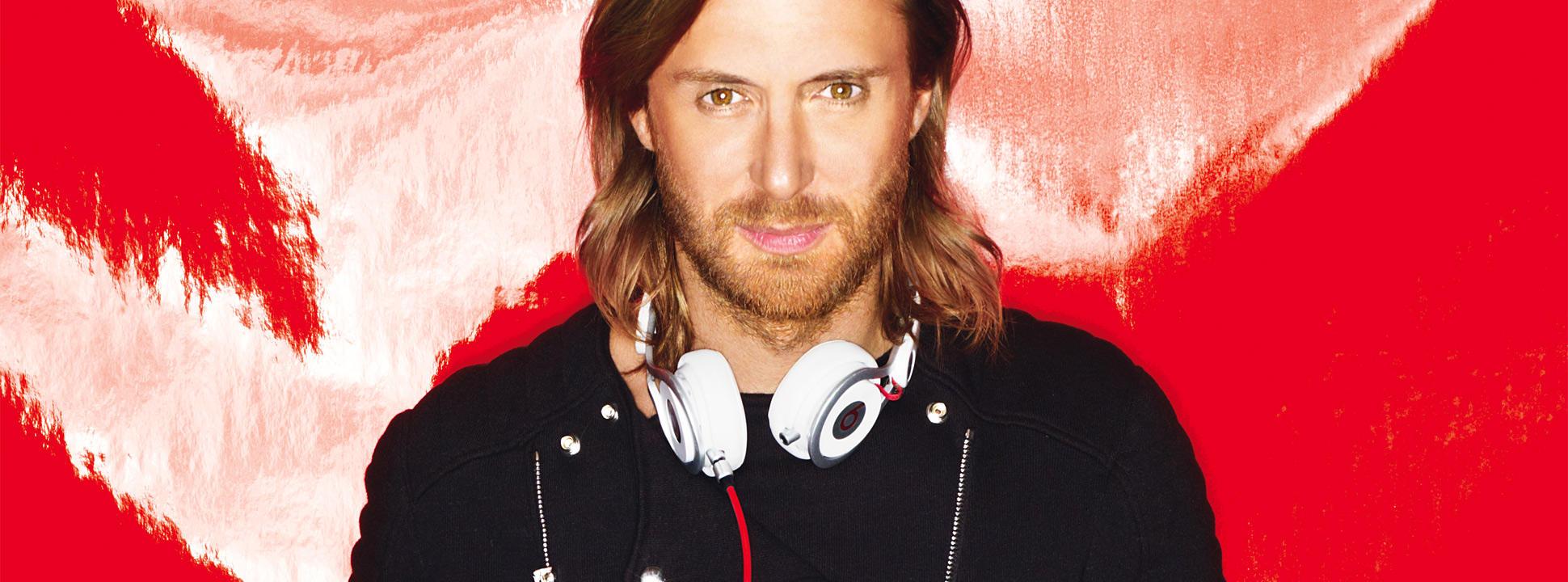 David Guetta officialise sa relation avec sa nouvelle chérie lors d'un dîner à l'Elysée