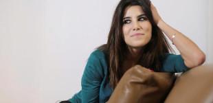 Karine Ferri affole la toile avec son décolleté sexy