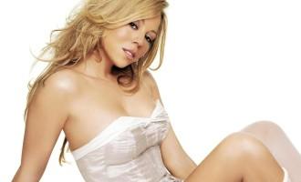 Mariah Carey en décolleté et porte-jarretelles à Las Vegas!