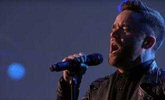 Il reprend du Radiohead et fait pleurer tout le monde!