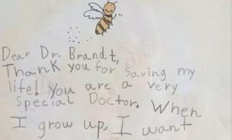 Le message trop mignon d'une petite fille pour son médecin!
