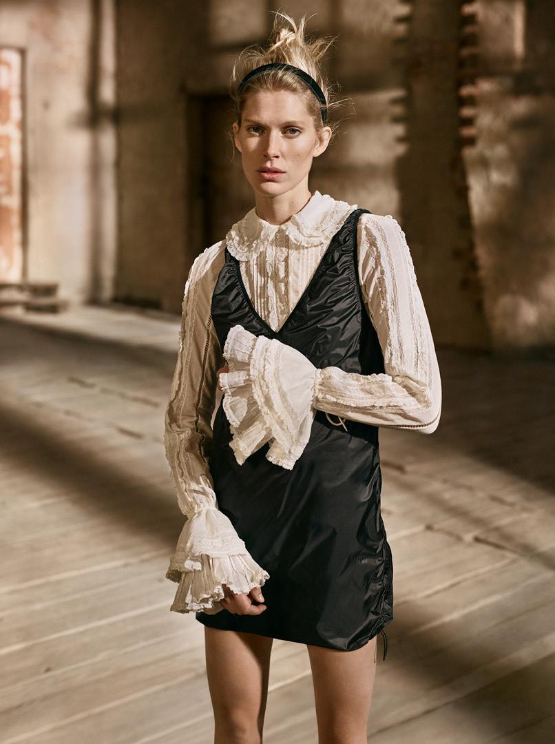 Emily Ratajkowski comme vous ne l'avez jamais vue pour H&M Studio