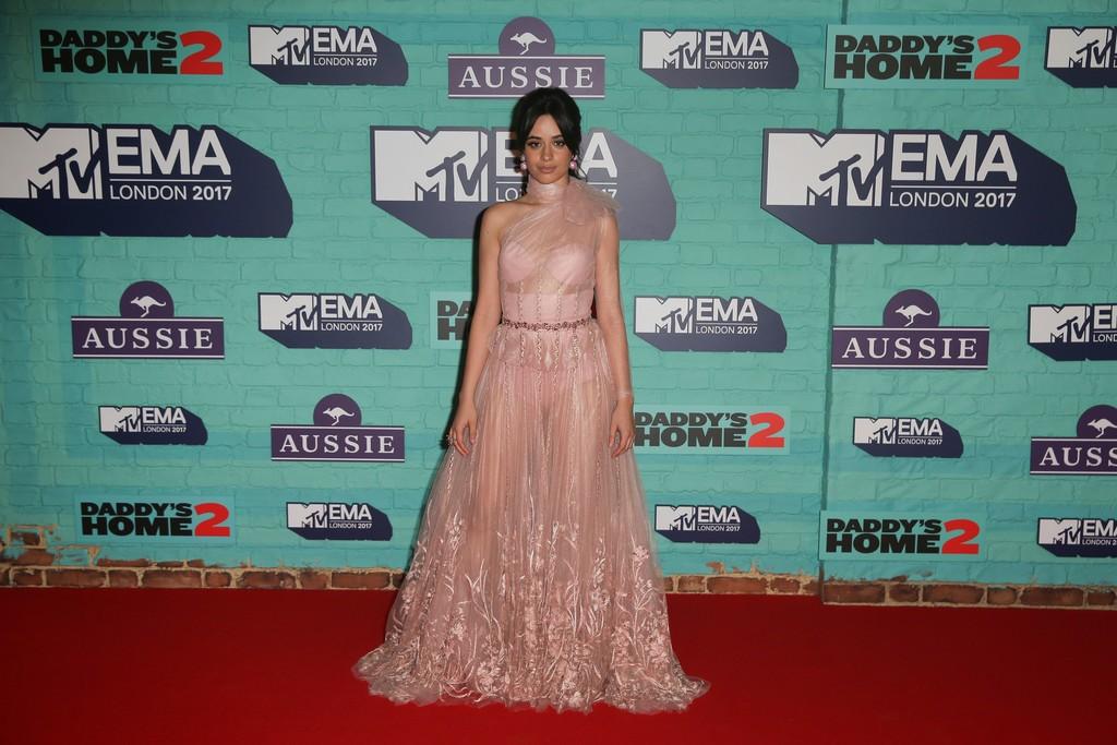 Camila+Cabello+MTV+EMAs+2017+Red+Carpet+Arrivals+1AFkMQfwUoux