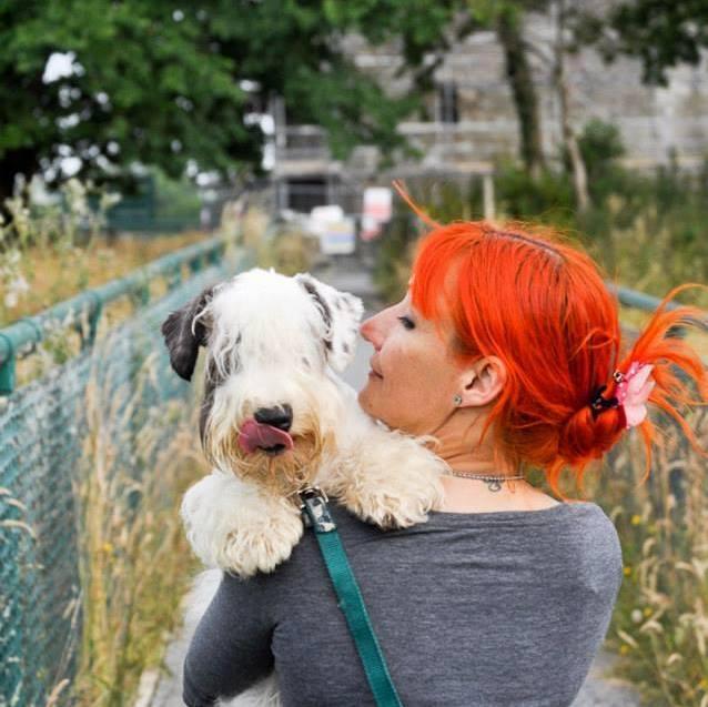 Royaume-Uni : elle vient de fêter huit ans de mariage avec son chien