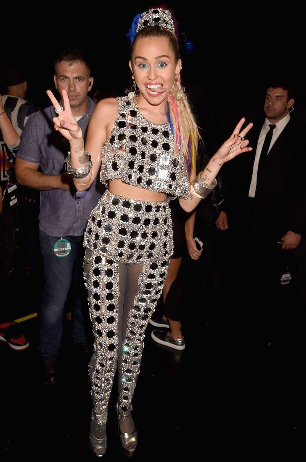 Les pires looks de Miley Cyrus