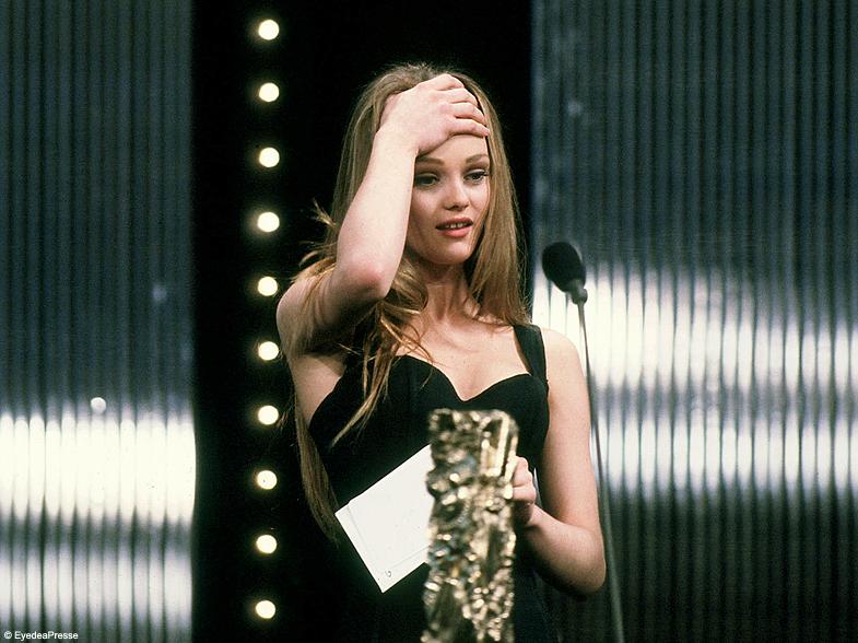 Vanessa Paradis ouvrira la cérémonie des César dédiée à Jeanne Moreau