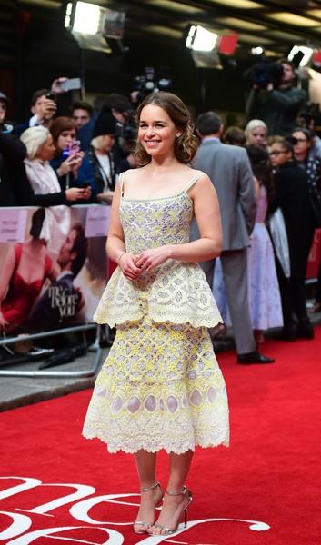 Top 10 des pires looks d'Emilia Clarke (Game Of Thrones)