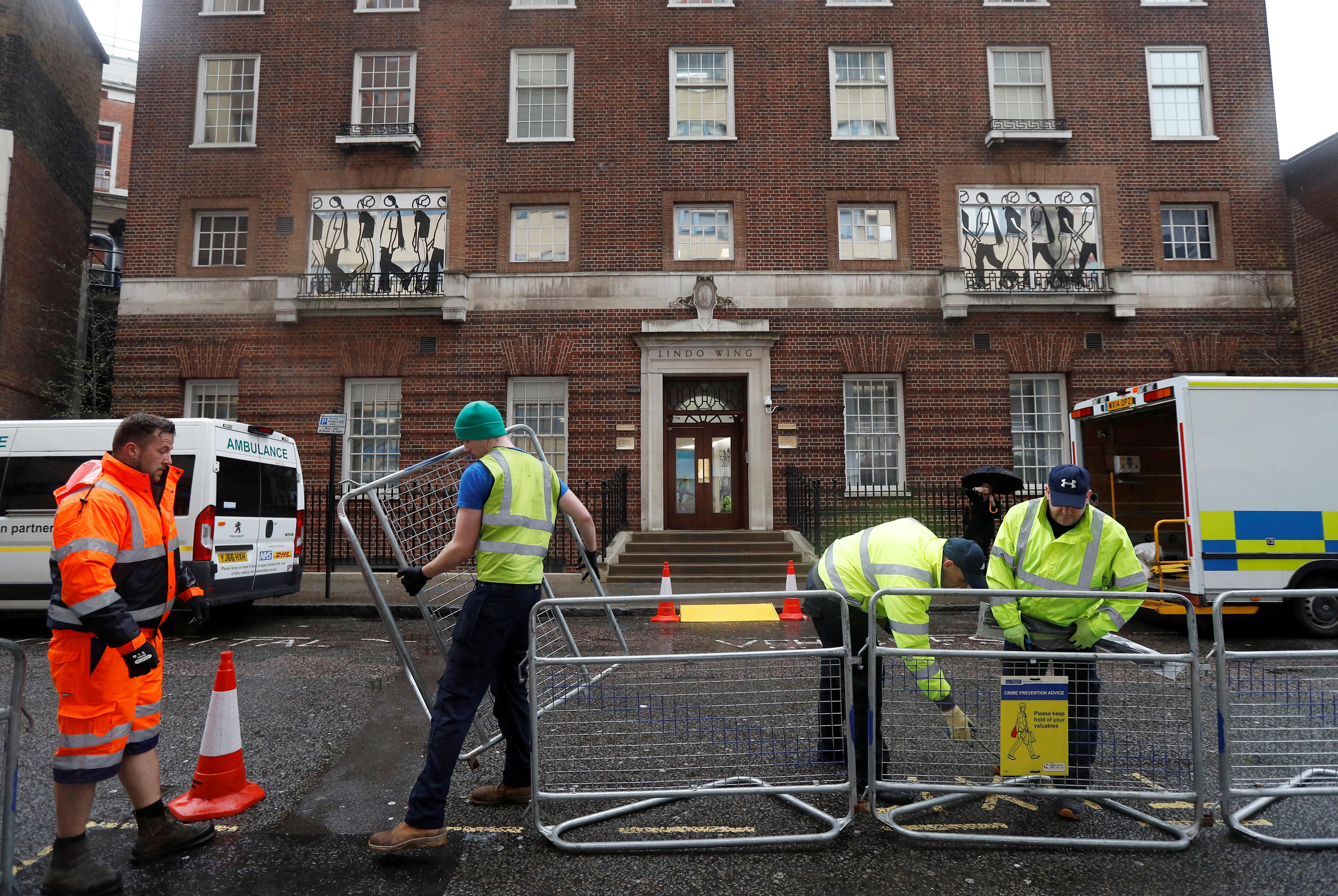 Accouchement de Kate Middleton: les médias britanniques restent à l'affut du moindre détail