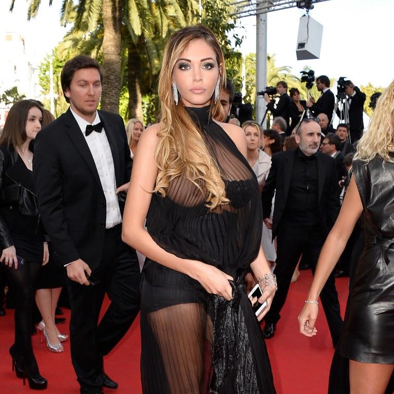 Le dos nu de Nabilla a fait sensation à Cannes