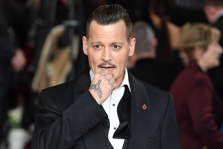 Johnny Depp Trop Maigre Pour 234 Tre En Bonne Sant 233 Il