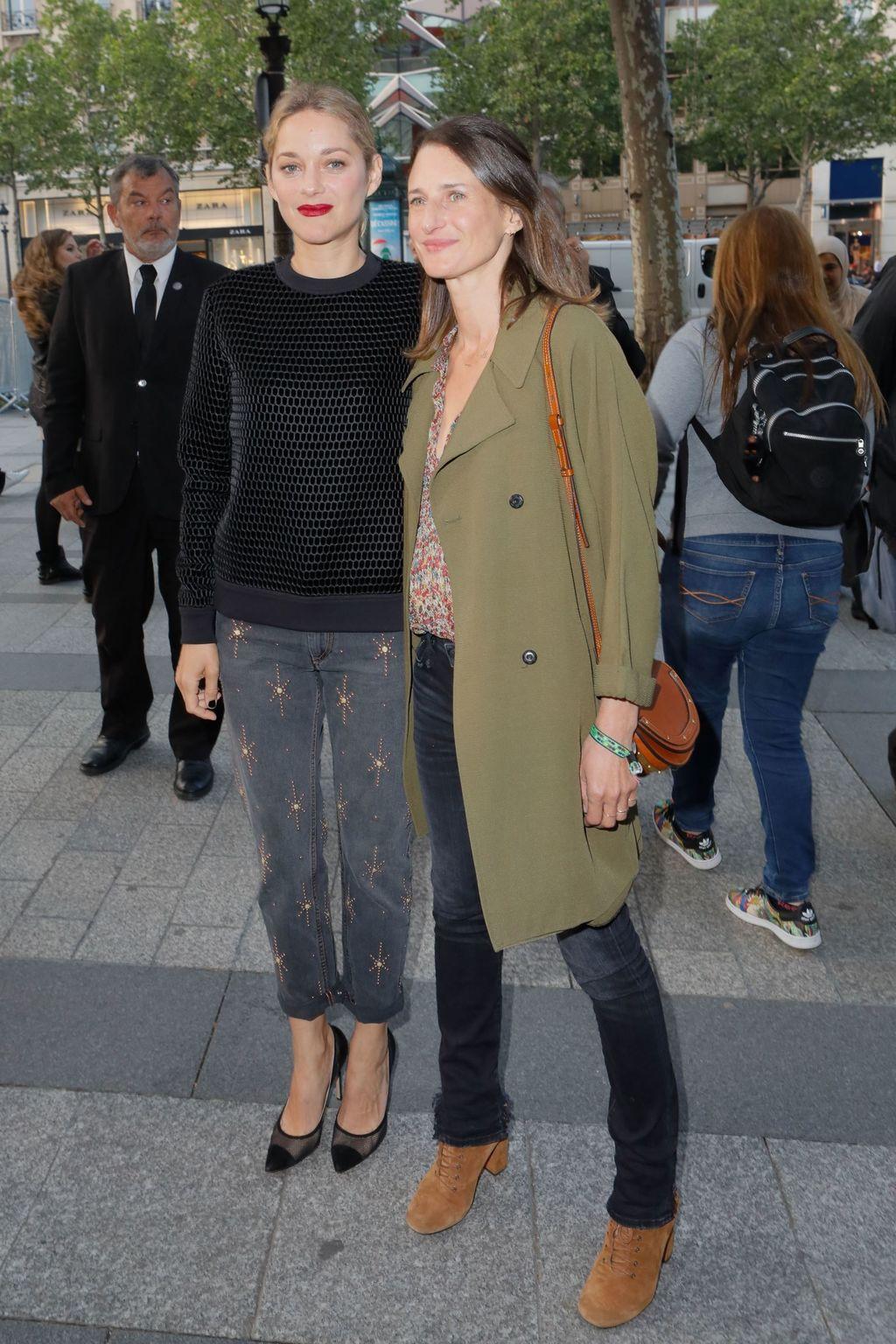 1- Marion Cotillard et Camille Cottin