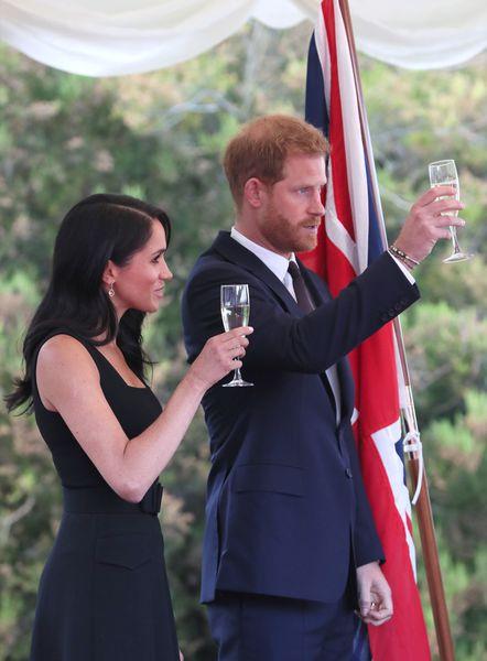Meghan et Harry : les amoureux se lâchent lors de leur première sortie officielle