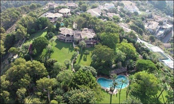 Michael Schumacher Sa femme dépense une fortune pour s'offrir une villa de luxe 1