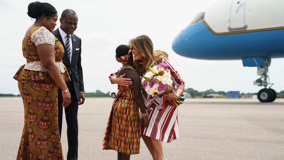 Le casque colonial de Melania Trump en Afrique provoque l'indignation (photos)