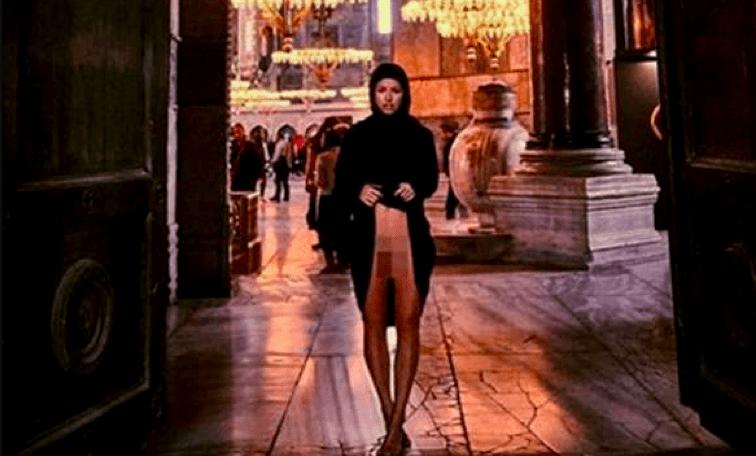 Tollé sur le Web Un mannequin ose poser nue dans une mosquée en Turquie1