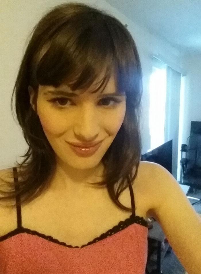 Transgenre En 17 mois, un ado de 18 ans devient une élégante et jolie jeune femme 8
