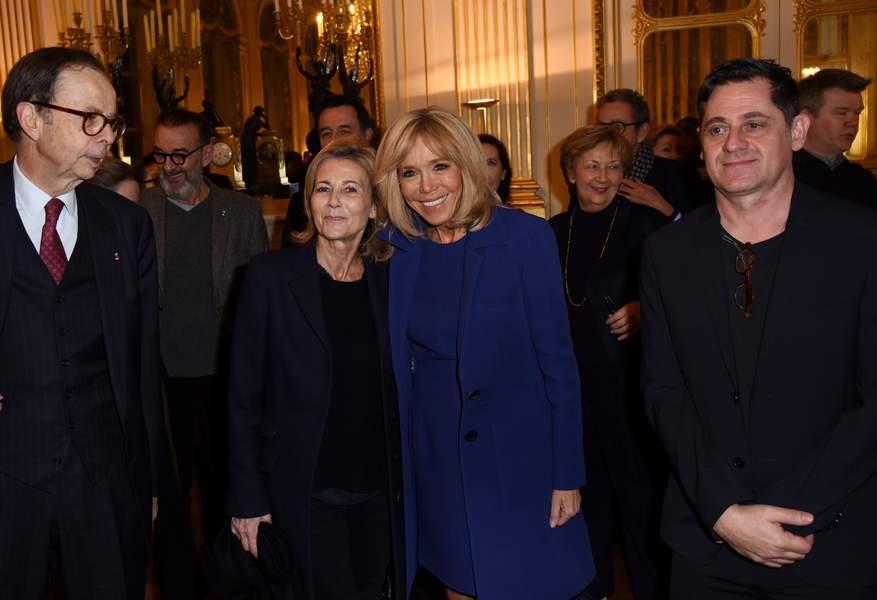 Brigitte Macron rayonnante aux côtés de Claire Chazal