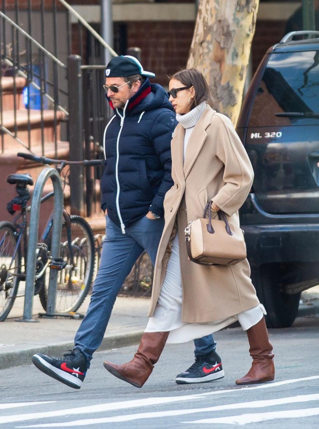 Bradley Cooper et Lady Gaga : les surprenantes photos de la femme de l'acteur