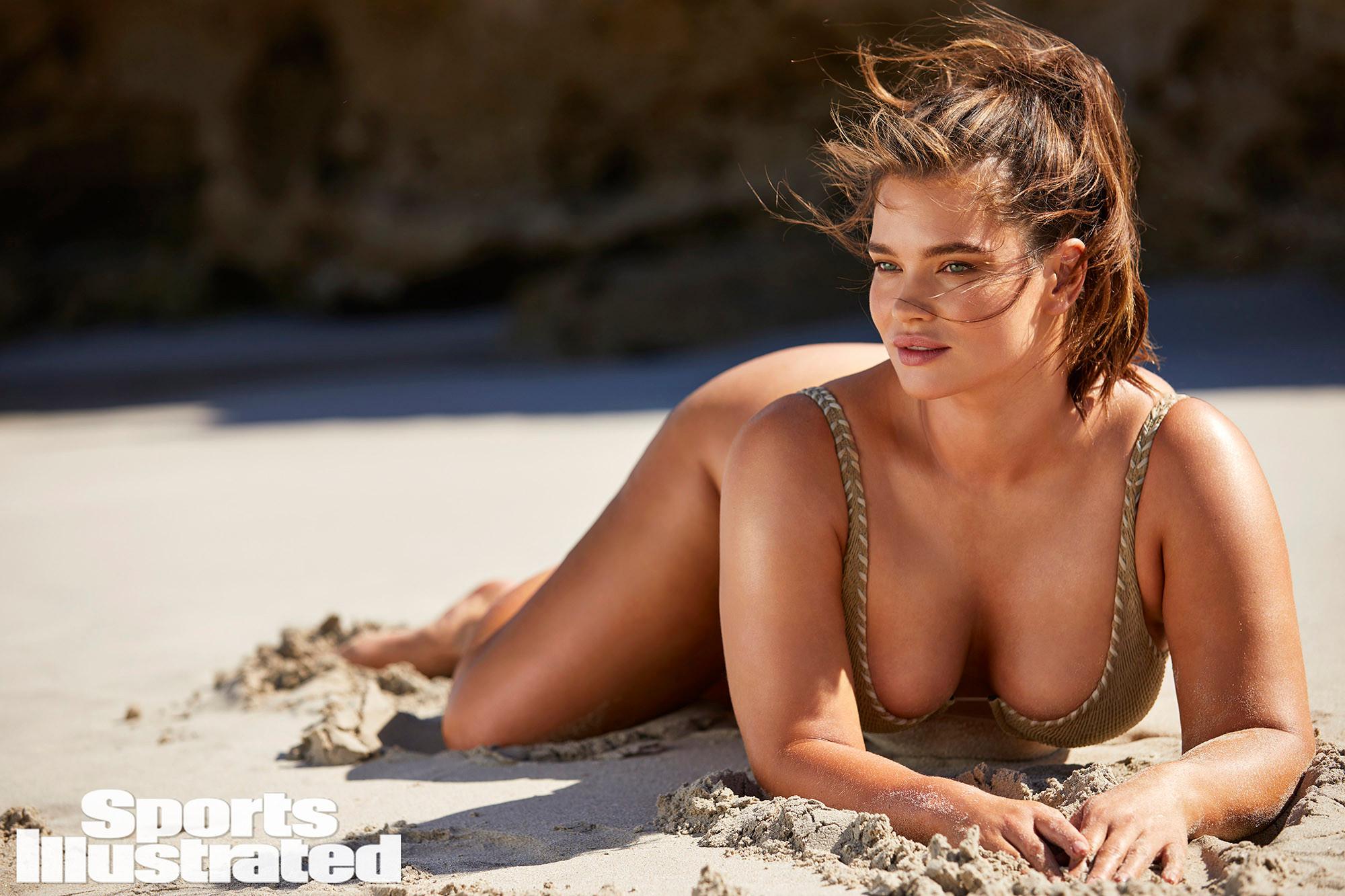 Tara Lynn, star de Sports Illustrated Swimsuit à 36 ans !