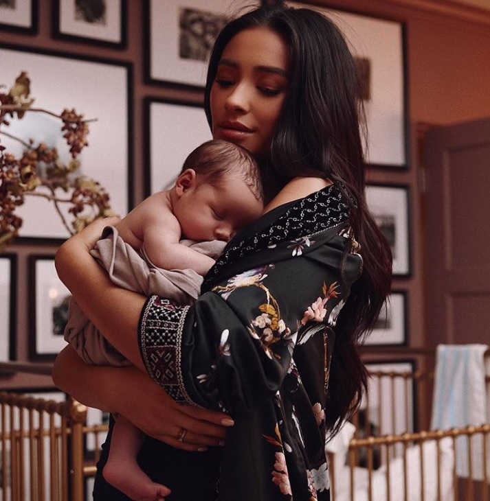 Shay Mitchell et sa fille Atlas