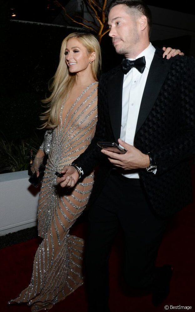Paris Hilton : amoureuse d'un séduisant businessman !