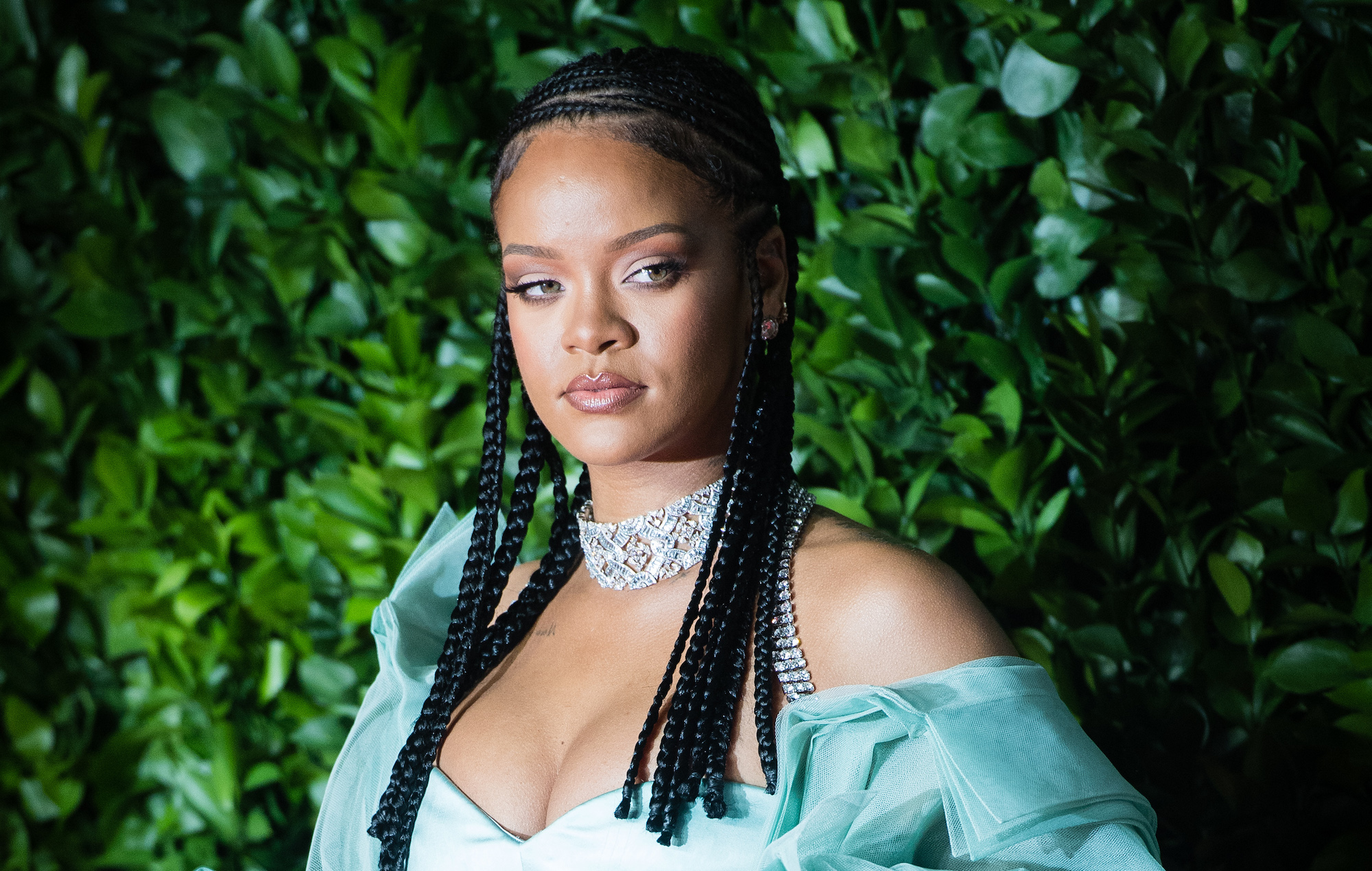 Rihanna provoque la colère des musulmans : Son défilé de lingerie au coeur de la polémique