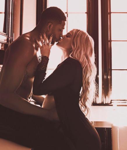 khloe-kardashian-fiancee-a-tristan-thompson-cette-enorme-bague-seme-le-doute