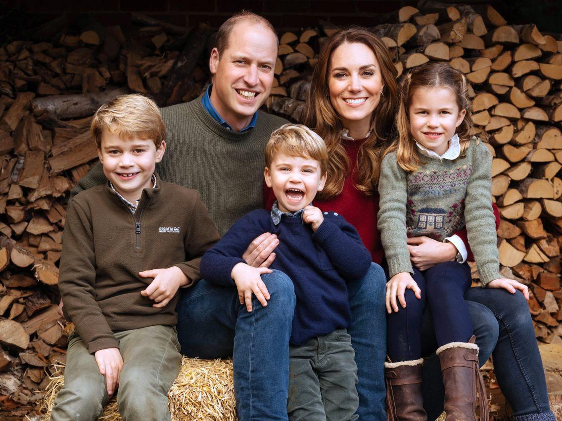Kate Middleton et le prince William entourés de leurs enfants