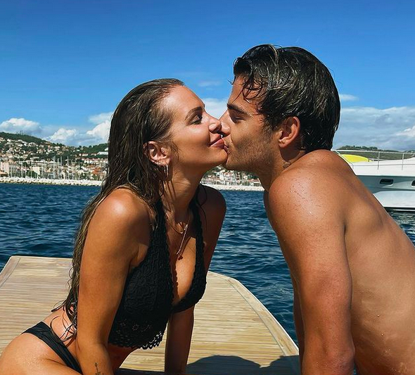 adixia-toujours-aussi-amoureuse-de-simon-castaldi-sur-instagram