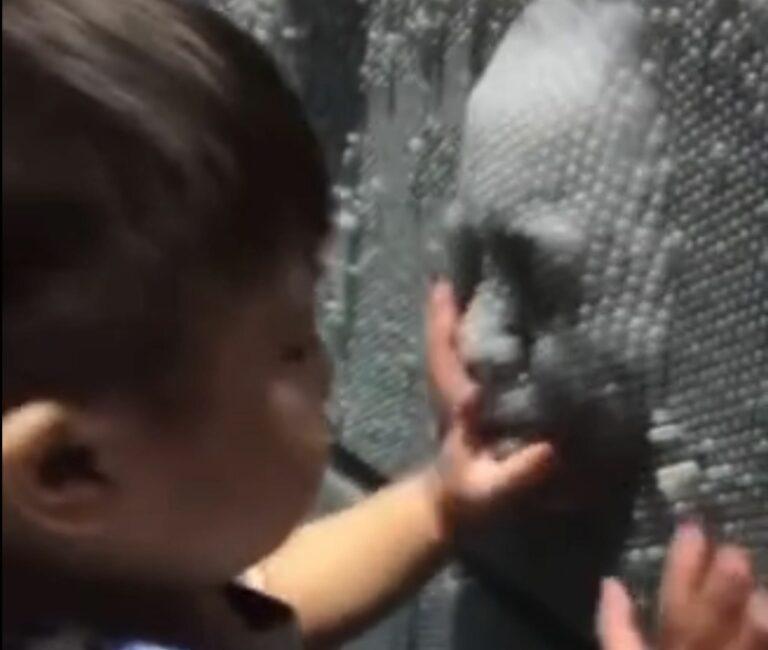 Cet enfant est traumatisé à vie à cause d'un simple jeu